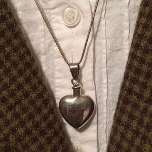 Vintage Sterling Heart ♥️ Vessel Pendant Necklace